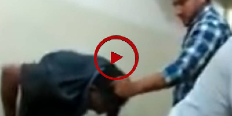 Bank staffers beat up shopkeeper over non-payment of installment in Karachi (VIDEO)