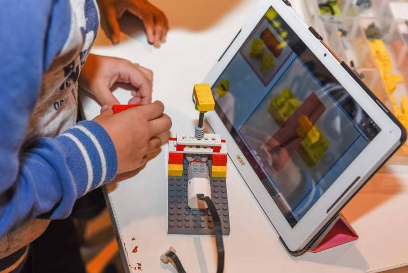 Lego robotics worksop held at SIBF 2018