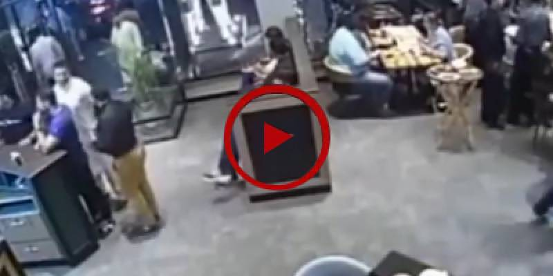 Thief steals a purse from women swiftly in Lahore (VIDEO)