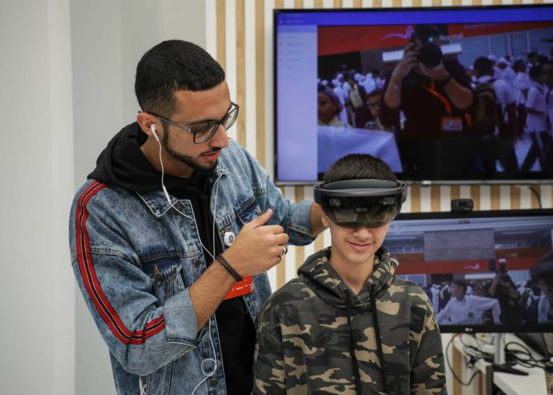 HoloLens: unique interactive experience of real-world environment wows SIBF 2018 visitors