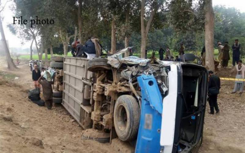 25 students injured after Lahore school trip bus overturns near Sheikhupura