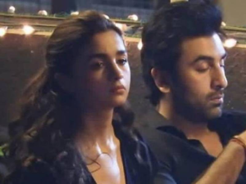 Alia Bhatt looks like she is about to cry while Ranbir Kapoor ignores her