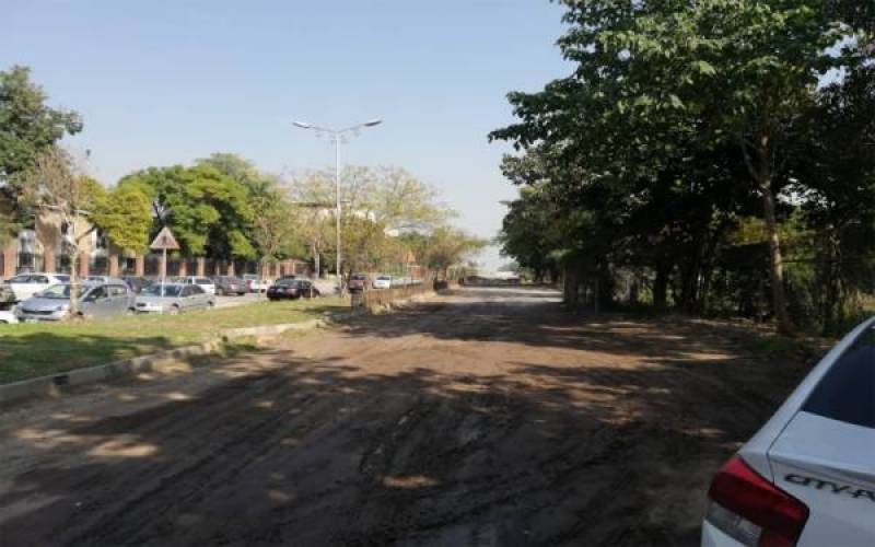 ISI clears roadblocks outside its headquarters on SC orders