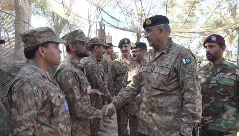 COAS Bajwa visits LoC amid Indian ceasefire violations