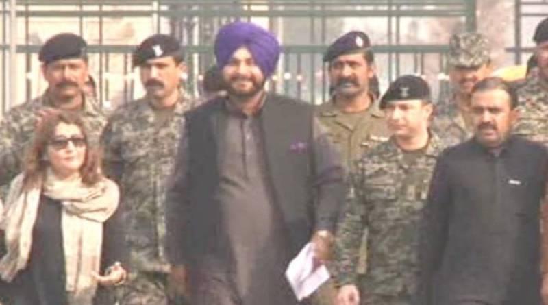 Navjot Singh Sidhu reaches Pakistan to attend Kartarpur groundbreaking ceremony