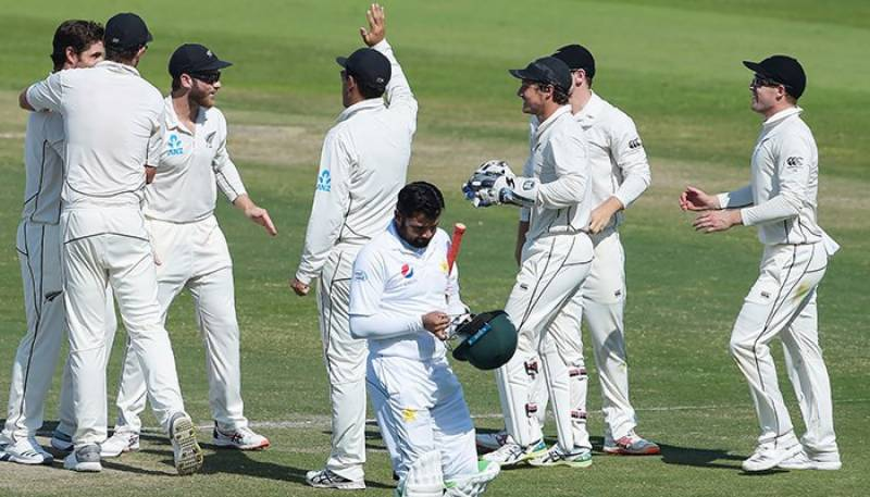 New Zealand beat Pakistan in third Test to clinch series
