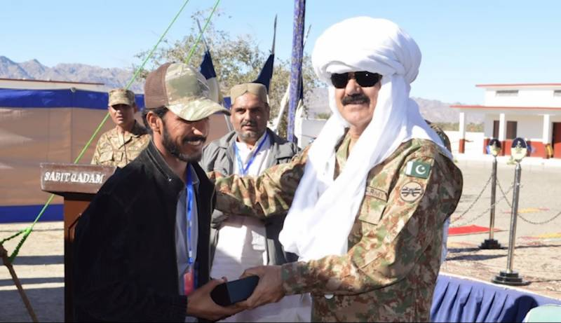 Army hands homes, shops keys over to displaced Baloch families