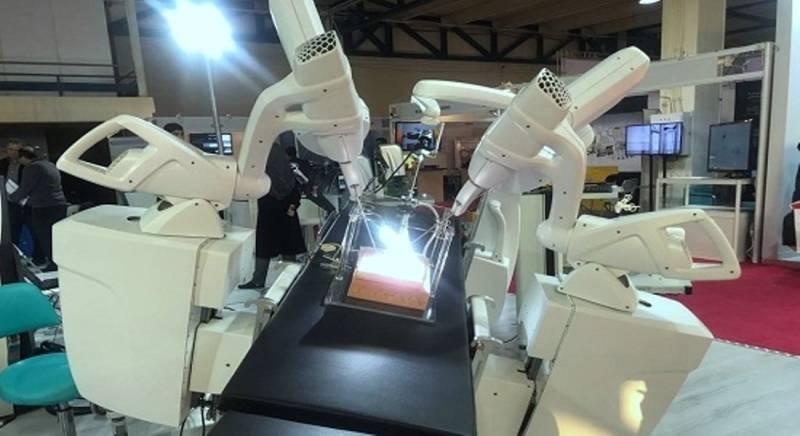 Iran unveils first robo surgeon