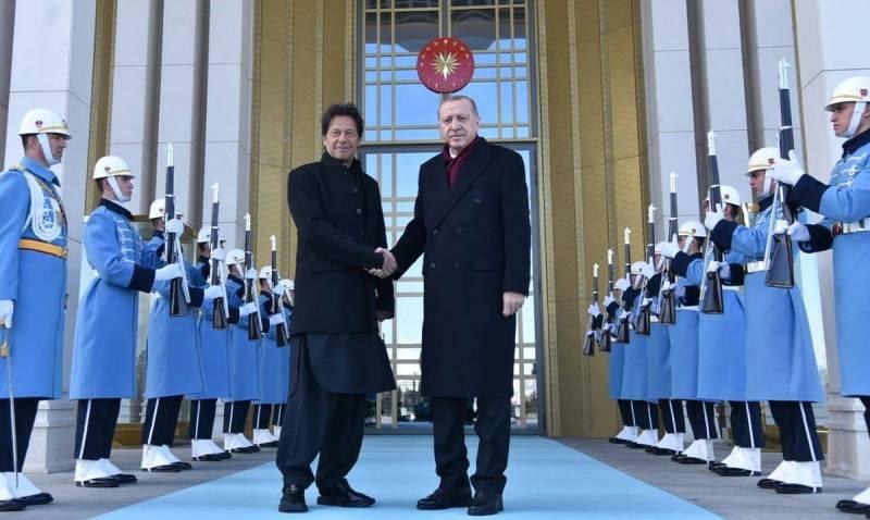 Imran, Erdoğan discuss bilateral relations, regional issues in Turkey
