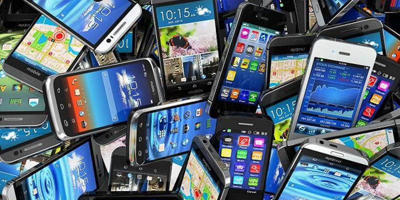 Mobile phones prices to go up as Pakistan revises import duties
