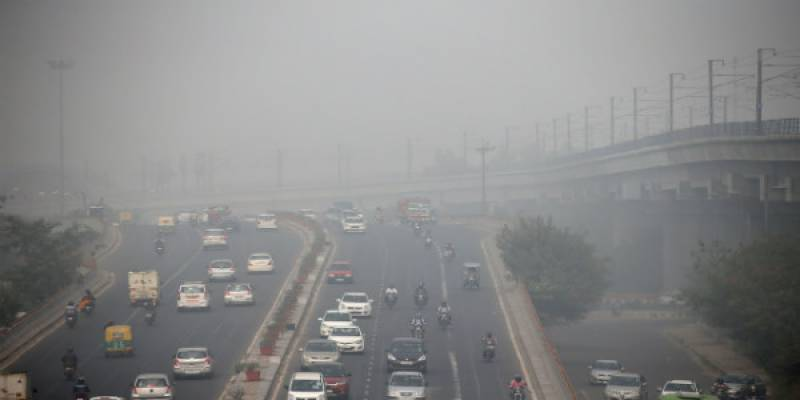Fog slows down traffic on parts of national highways in Punjab