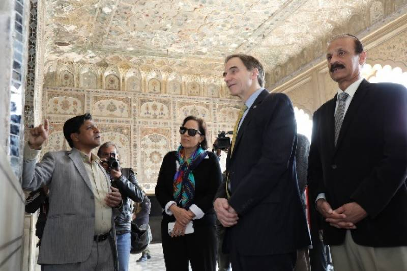 Top US envoy's visit to Punjab reaffirms America's commitment to Pakistani people