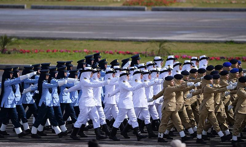 Contributions of women in uniform, at household and especially of martyrs' families greatly valued: COAS