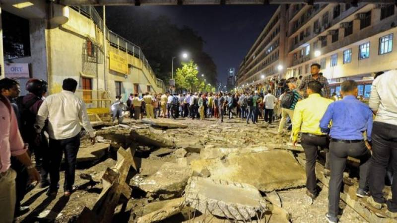 Mumbai footbridge collapse kills 6, injures 30