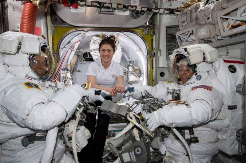 NASA cancels first all-female spacewalk due to spacesuit size issues