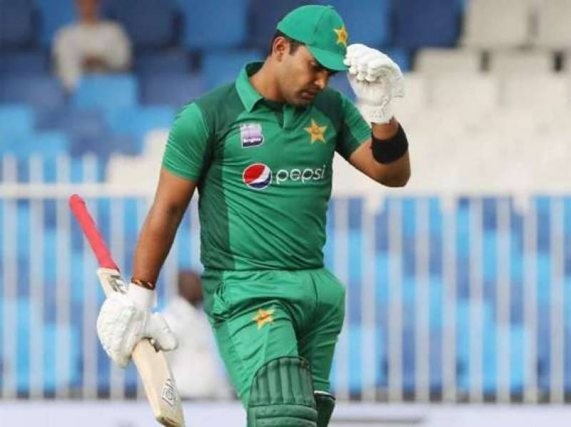 PCB slaps Umar Akmal with fine for late night-out