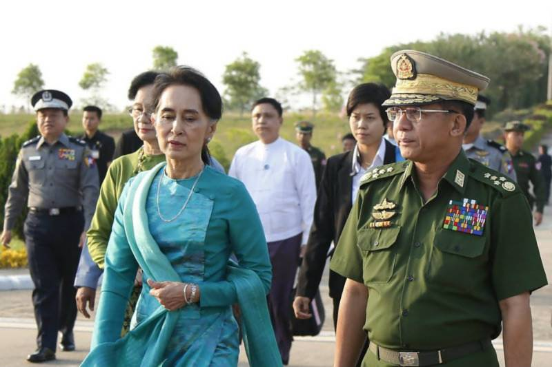 Nobel laureate Aung San Suu Kyi kept opposing release of 2 reporters: NYT