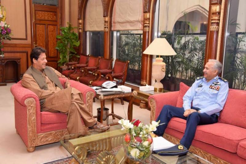 Air Chief discusses professional matters with PM Imran