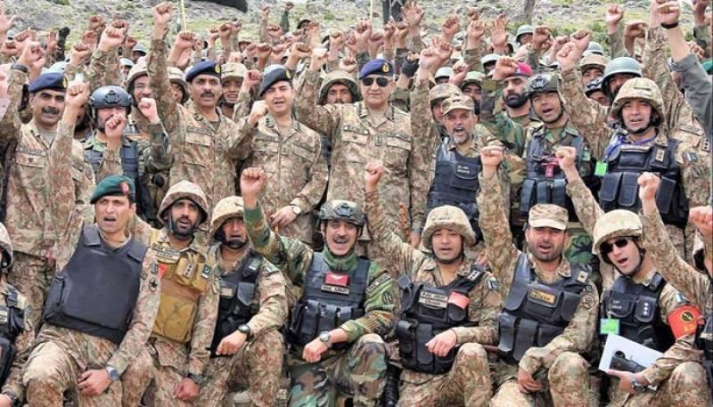 COAS visits troops on forwards posts along Pak-Afghan Border