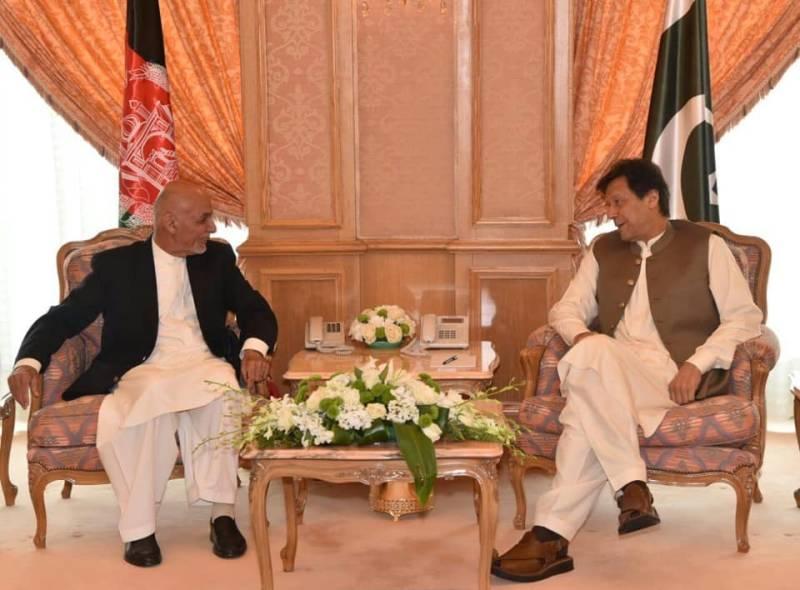 14th OIC Summit: Imran, Ghani discuss bilateral ties, Afghan peace process in Makkah