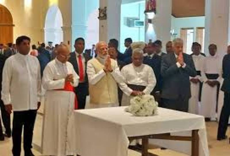 Modi makes surprise visit to Sri Lankan church bombed on Easter