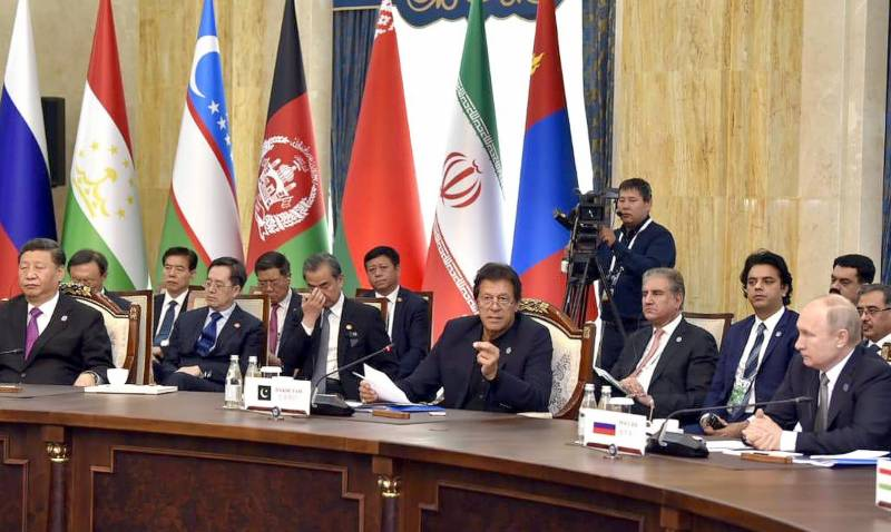 PM Imran suggests SCO biggies to ditch US Dollar for trade