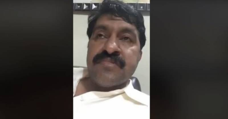 Man beats up journalist for spreading fake news about his death on social media