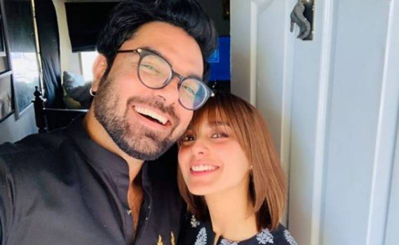 Yasir Hussain denies dating Iqra Aziz and we are baffled