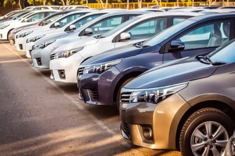 In 'hot pursuit' of Honda, Toyota jacks up car prices for Pakistani customers
