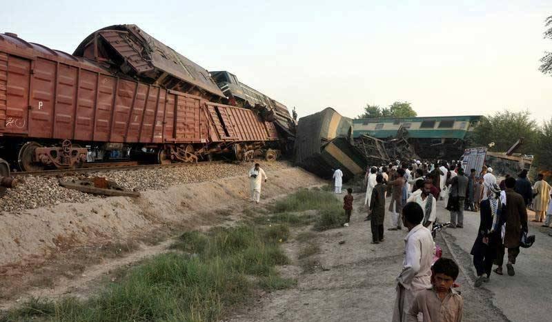 At least 17 killed, 79 injured in Sadiqabad train accident