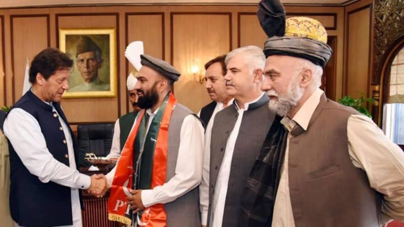 MPA Ghazan Khan, ex-MNA GG Jamal join PTI