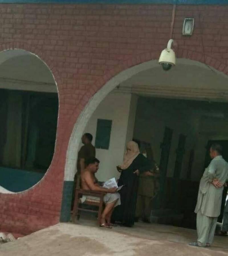 Loincloth-wearing Sahiwal cop suspended