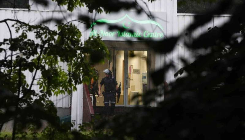 One person hurt in Norway mosque shooting; 'White terrorist' arrested