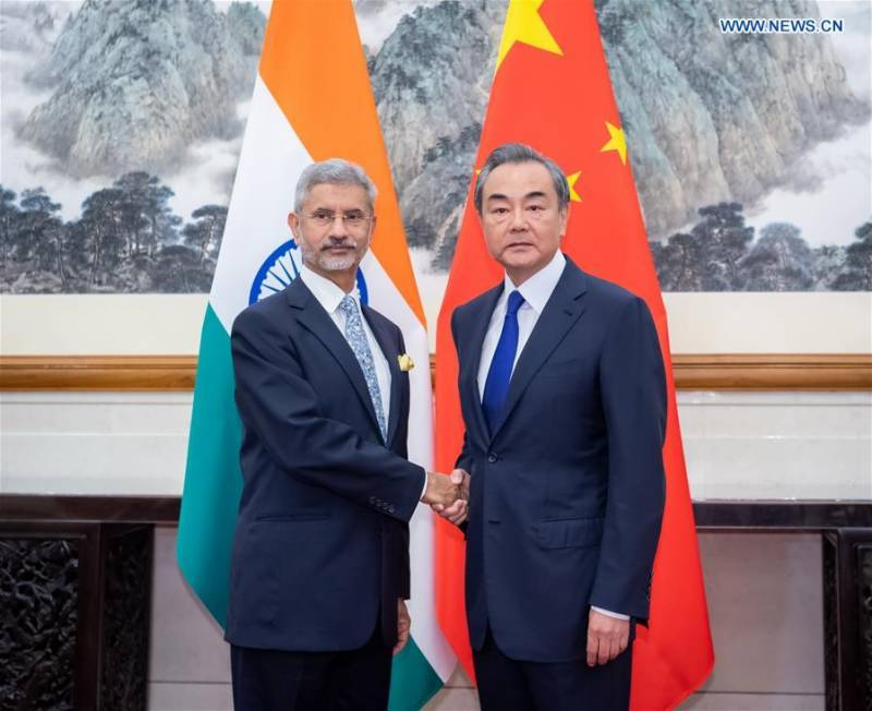 India hopes to improve ties with Pakistan, new FM tells China