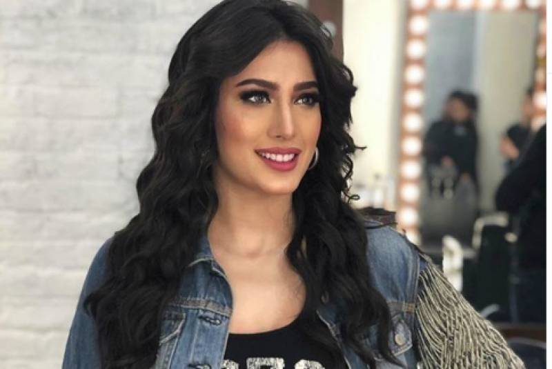 Mehwish Hayat calls out Bollywood for stealing Pakistani songs