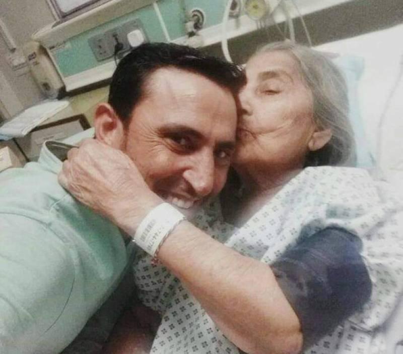 Younis Khan's mother passes away in Karachi