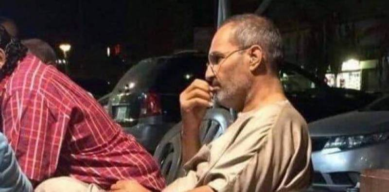 Steve Jobs doppelganger in Egypt shocks everyone