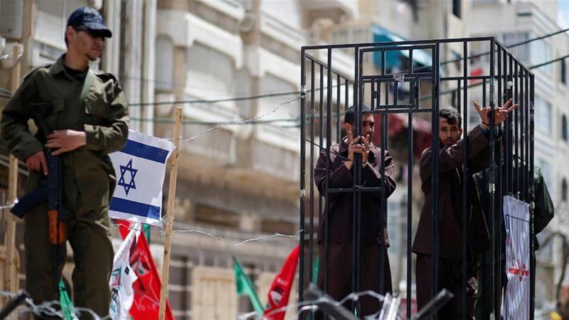 Palestinian prisoners go on hunger strike against Israeli prison conditions