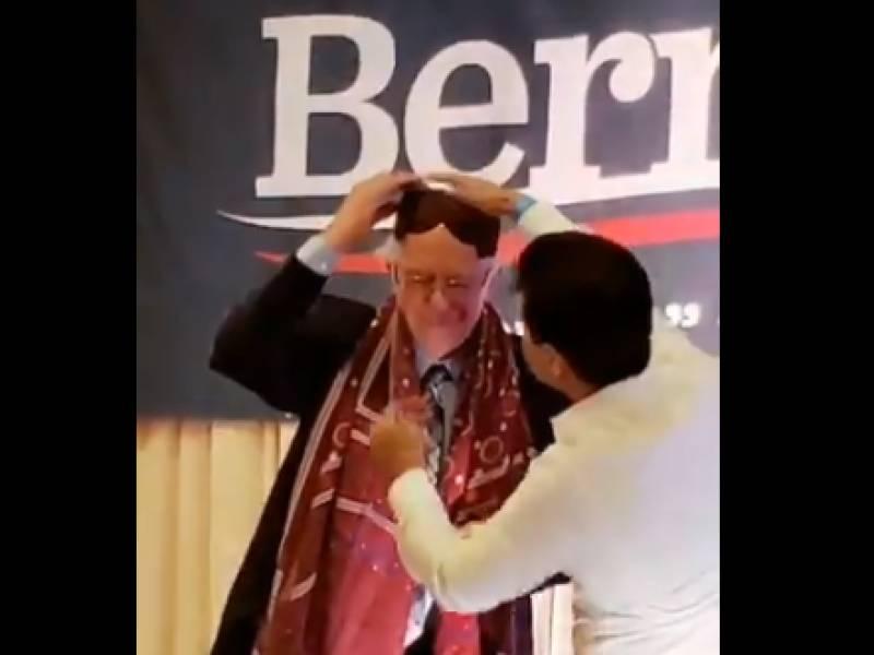 Bernie Sanders presented with Sindhi Ajrak for his pro-Kashmir stance