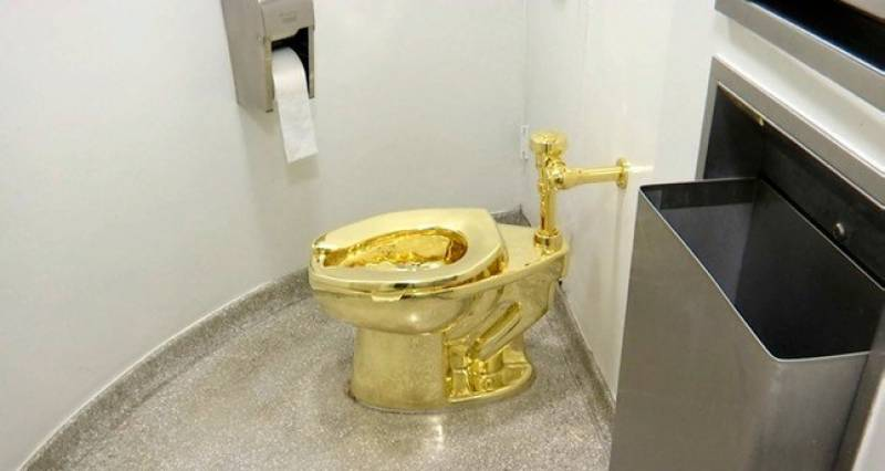 Solid gold toilet stolen from Britain's Blenheim Palace