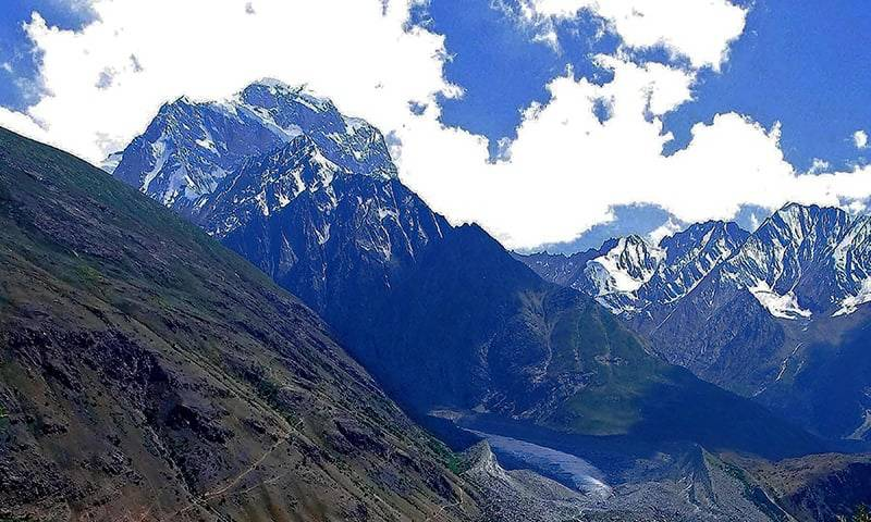 Two British mountaineers rescued, 3 still missing on Koyo Zom peak in KP