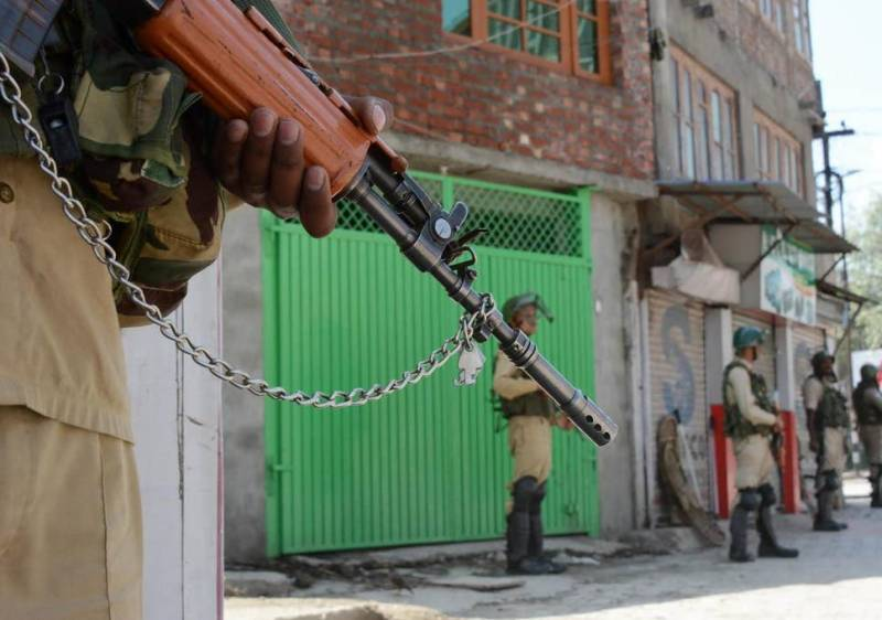 Indian troops kill another Kashmiri as military siege enters 58th consecutive day