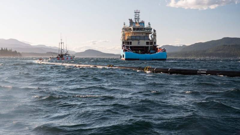 'The Ocean Cleanup' ship sweeps first Pacific plastic