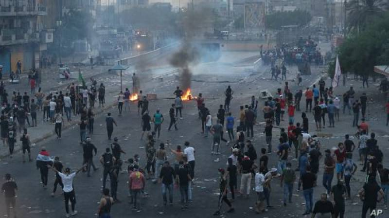 Iraqi PM calls for dialogue amid deadly anti-govt protests