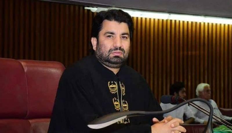 SC suspends decision to de-seat Qasim Suri