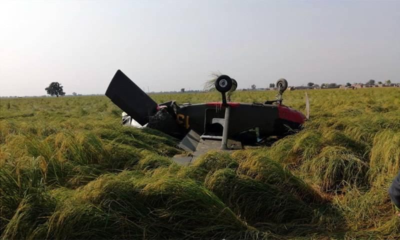 Army trainer aircraft crash-lands near Gujranwala, both pilots safe