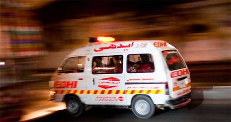 Bus-truck collision leaves two dead in Karachi
