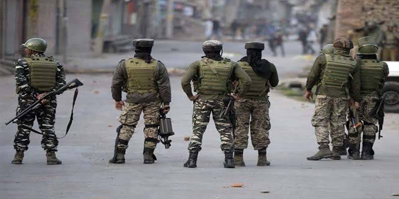 Military siege continues, life remains crippled in IOK on 82nd day