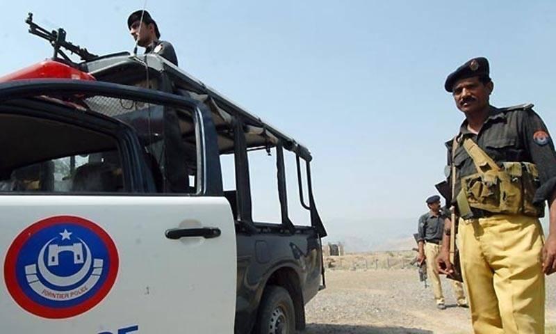 Cop injured as explosion targets police van in DI Khan