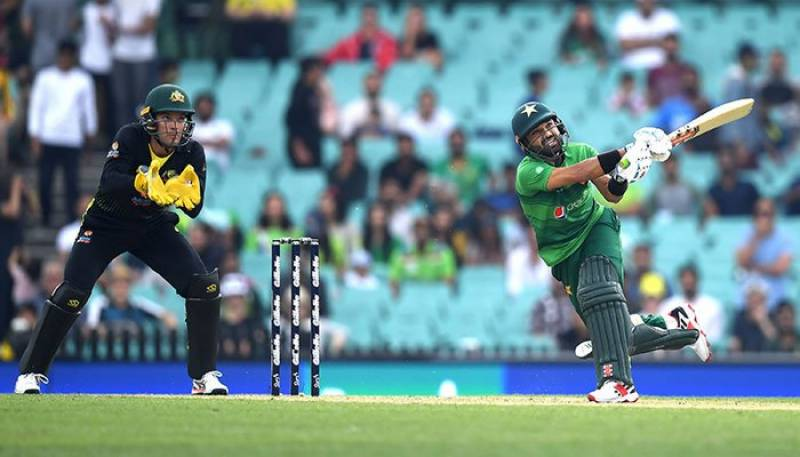 Match abandoned as rain saves Pakistan against Australia in first T20